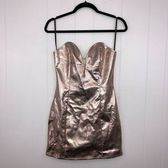 Missguided Dresses & Skirts - Missguided Plunge Dress Rose Gold 2